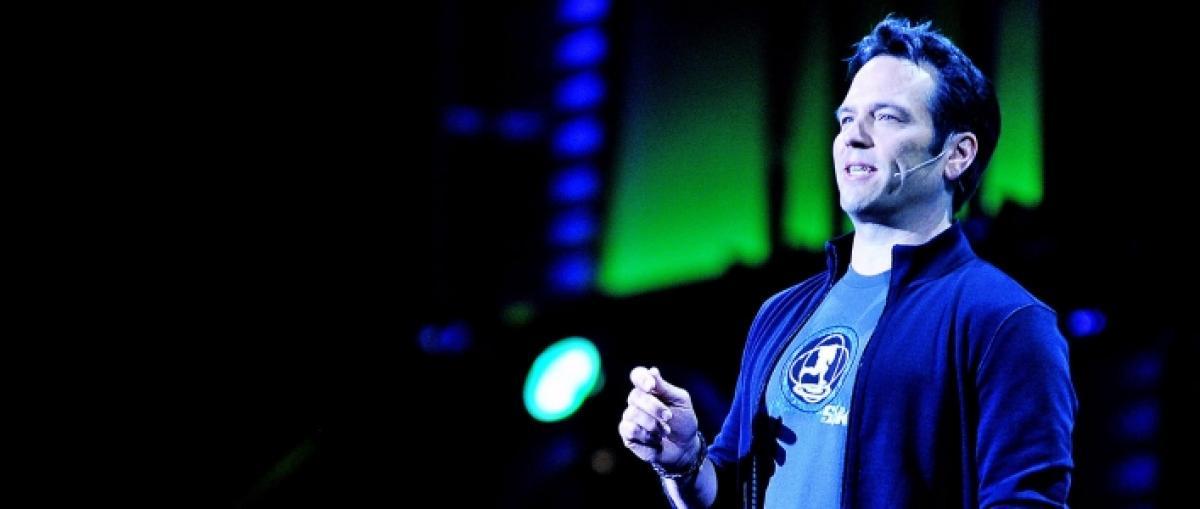Phil Spencer dice no a una Xbox cada dos años y cree que la actual VR ofrece demos y experiencias