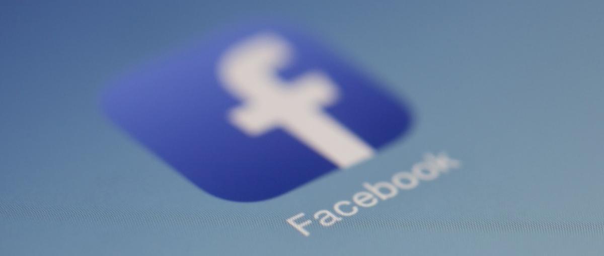 """Facebook compartió """"indebidamente"""" los datos de 2,7 millones de europeos"""