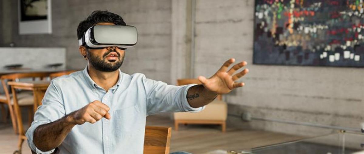 Oculus lanzará un visor autónomo de 200 dólares según fuentes de Bloomberg