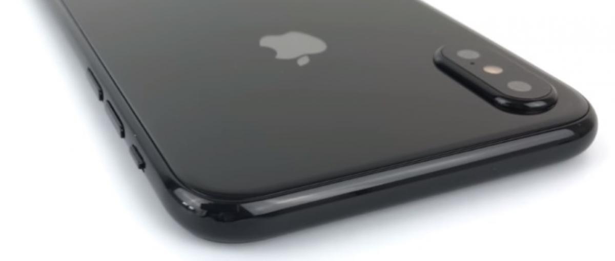 El próximo iPhone incluirá un sistema de escaneo facial 3D según Bloomberg