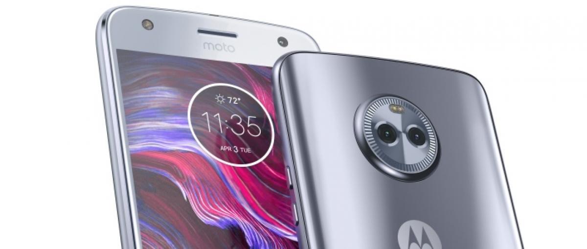 El Moto X se hace oficial con prestaciones más intermedias, doble cámara y construcción sumergible