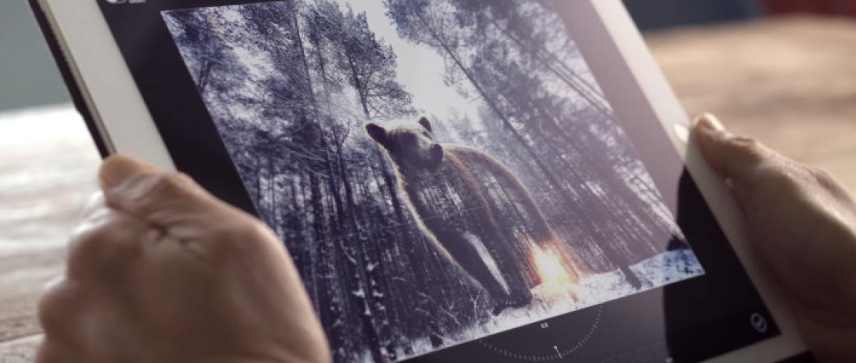 Adobe muestra un asistente de voz para editar fotografías
