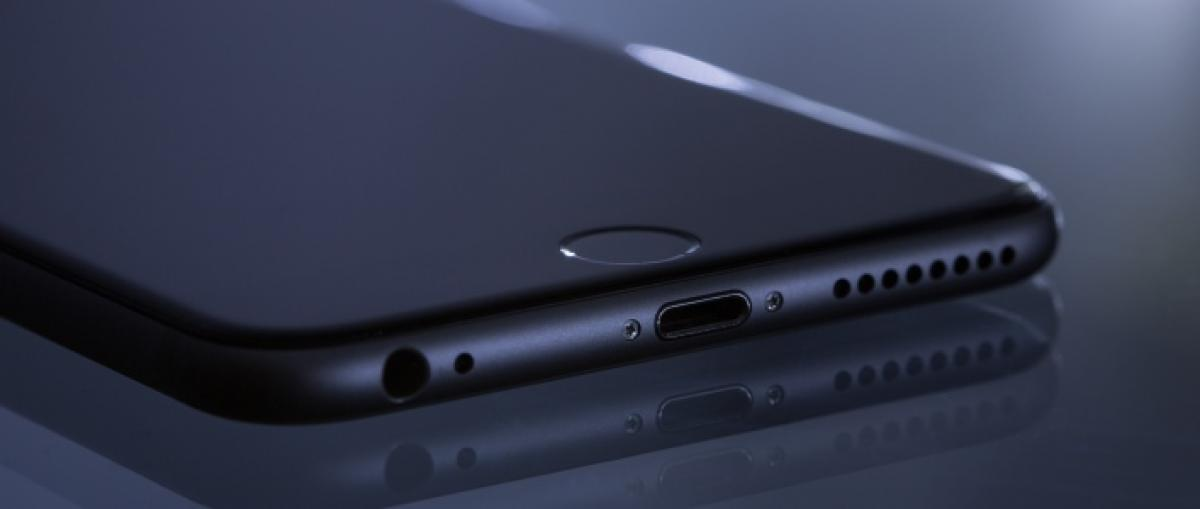 Francia investiga a Apple por ralentizar los iPhone con baterías antiguas