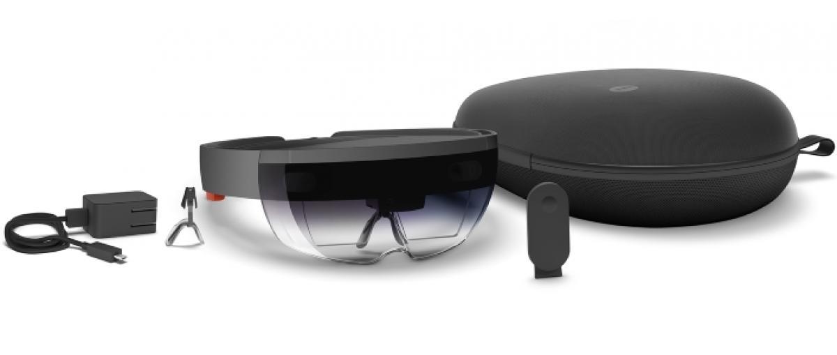 El kit de desarrollo de HoloLens revela su hardware y un juego protagonizado por Conker