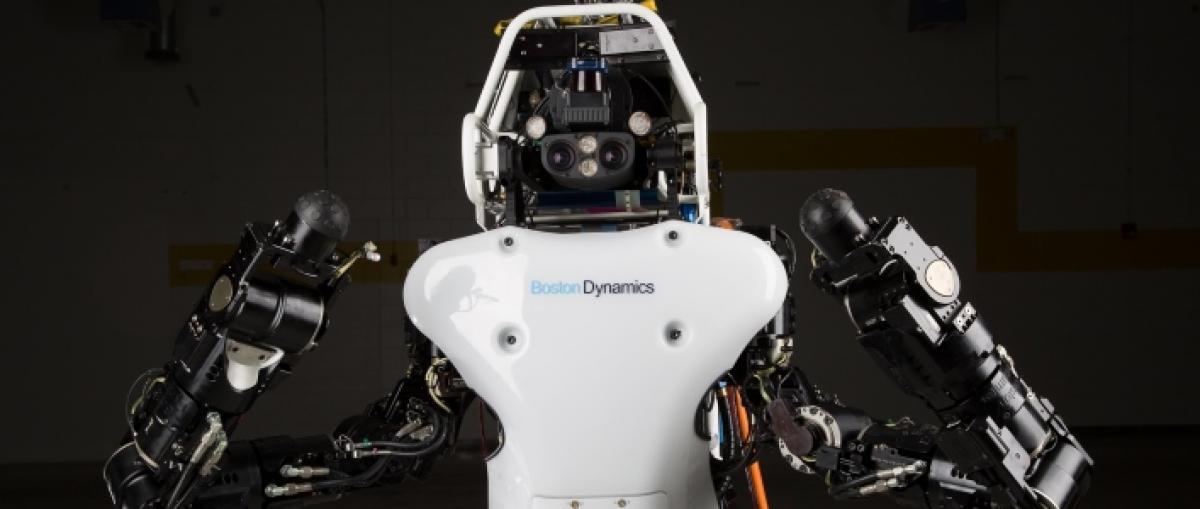 El nuevo robot Atlas camina, abre puertas, persigue objetos y se levanta solo