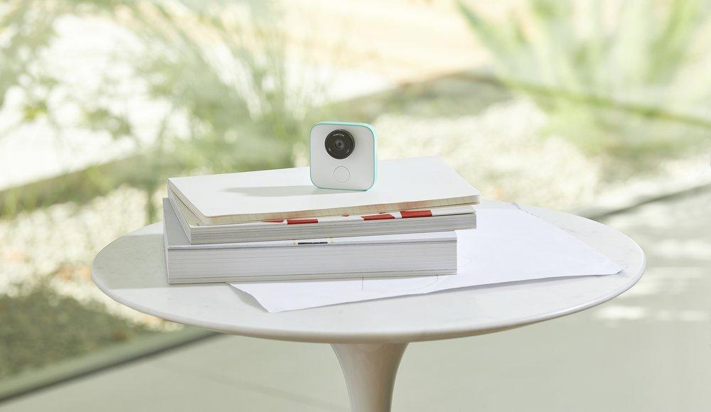 Google desvela Clips, una cámara que utiliza IA para tomar fotos sin ...
